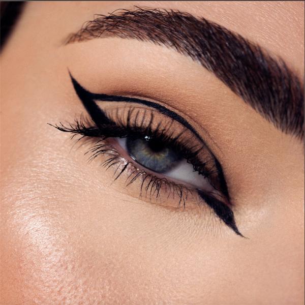 1 eyeliner + 1 mascara Lashes on Fleek