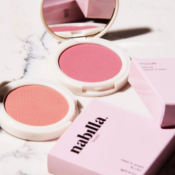 1 palette Gold Planet 02 + 1 blush au choix