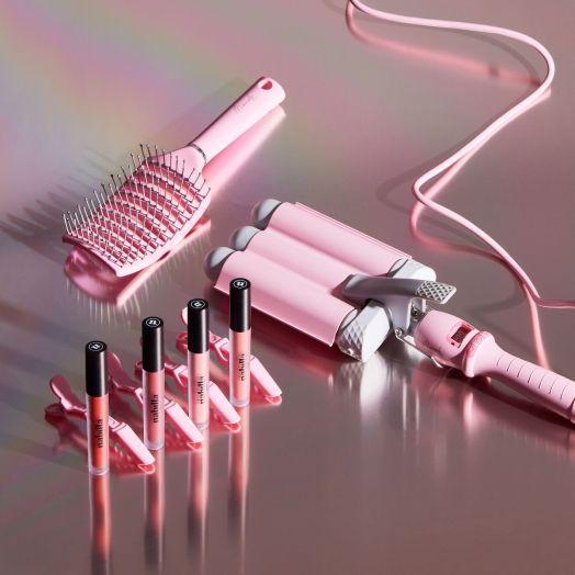 4 lipsticks au choix + 1 waver + 1 brosse + des barrettes