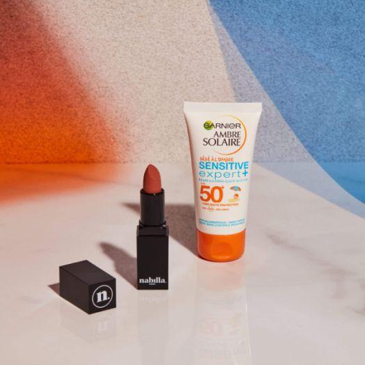1 lipstick + 1 crème solaire bébé 50+ offerte
