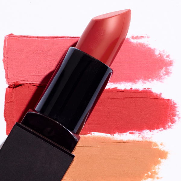 1 lipstick + 1 Gold On Fleek + 1 crème visage + 1 spray solaire offerts