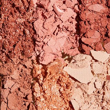 1 Palette Beige Nude 03 +  2 lipsticks Nude + 1 lipstick offert